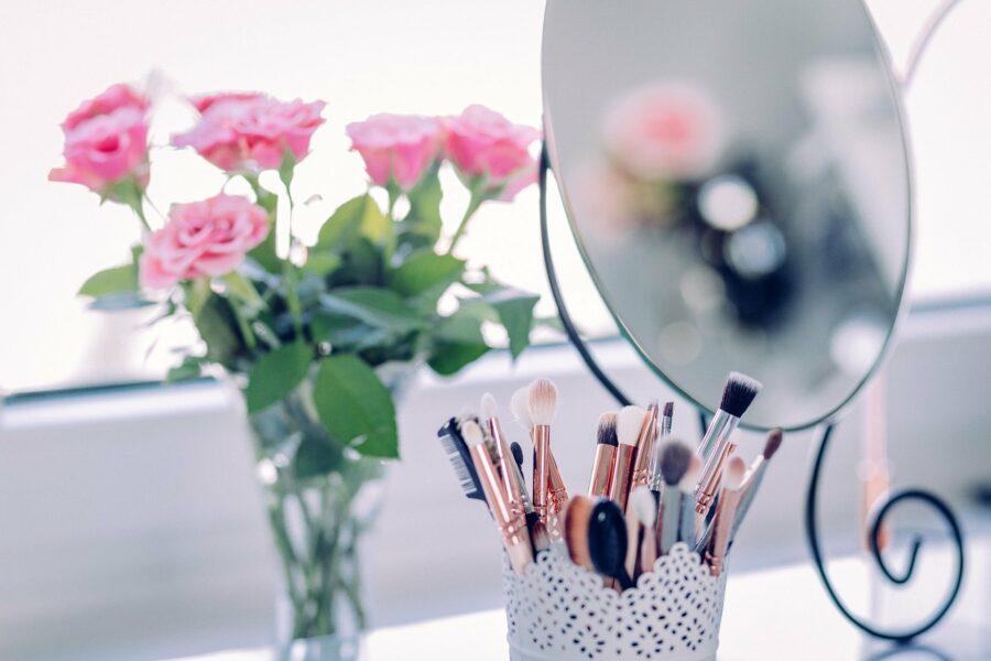 lusterko do makijażu